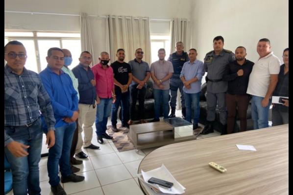 Prefeito Raimundo Coquinho recebe comandante do  14º BPM e do destacamento de Davinópolis