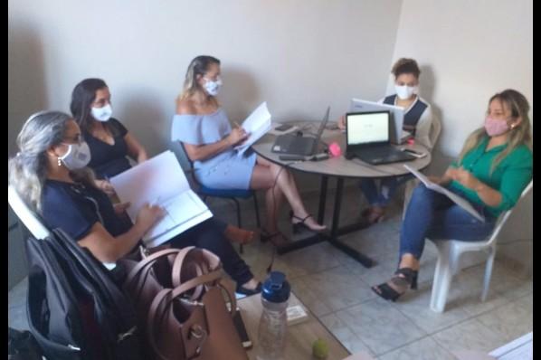 Cras de Davinópolis realiza reunião técnica sobre  Prontuário SUAS Manual e Eletrônico