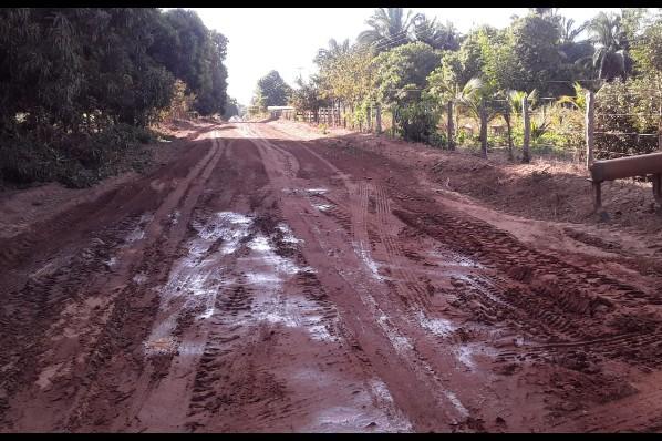 Estradas vicinais recebem manutenção em Davinópolis