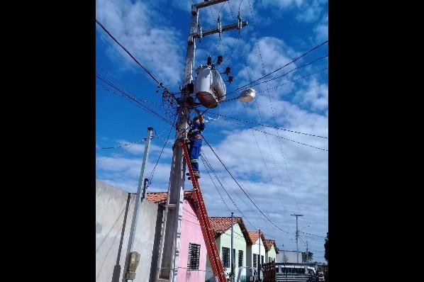 Prefeitura faz manutenção de iluminação pública nos bairros de Davinópolis