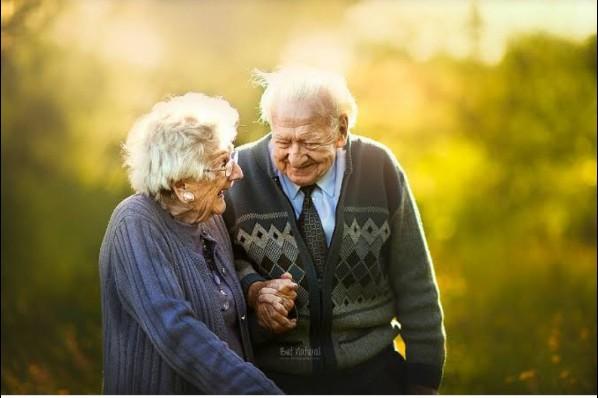 A ordenação estipula a inserção de conteúdos voltados ao processo de envelhecimento, ao respeito e à valorização do idoso, de forma a eliminar o preconceito nos componentes curriculares da re