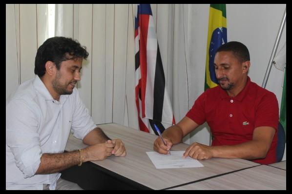 Adriano Lopes é o novo secretário de Saúde de Davinópolis