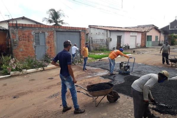 Operação Tapa-buracos chega a Rua Santo Antônio